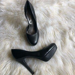 NWOT [Nine West] Platform Heels (Black) Size 8